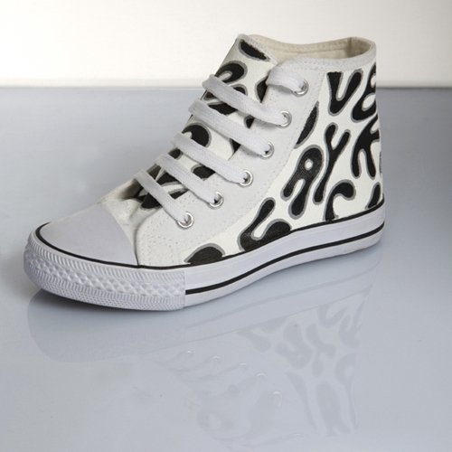 The new collection of Converse for this year 2009 2carre1